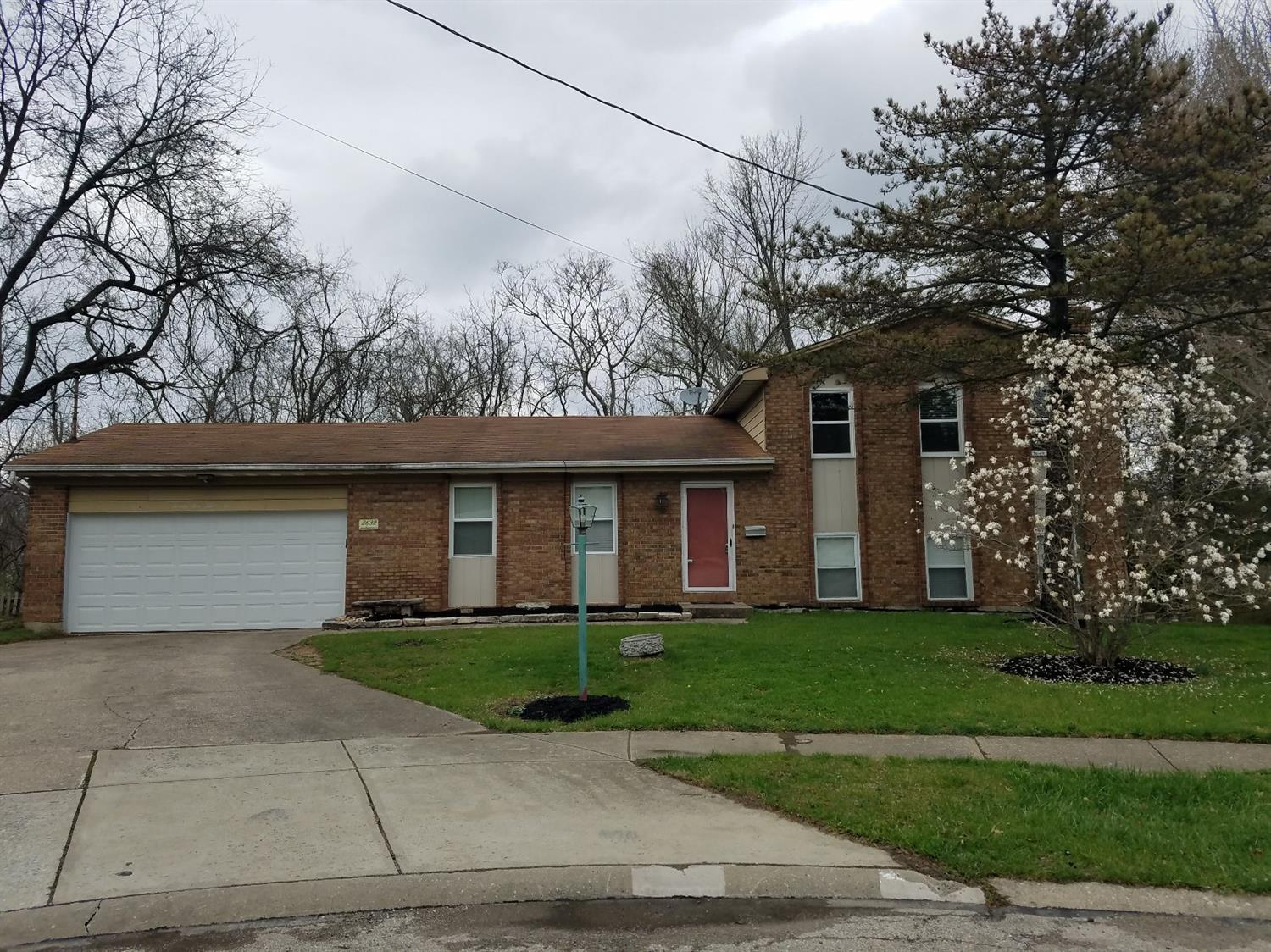 Beautiful 4 bedroom bi-level home with large great room. Desirable street cul-de-sac. Perfect for entertaining on deck while looking into woods. Hardwood floors throughout.