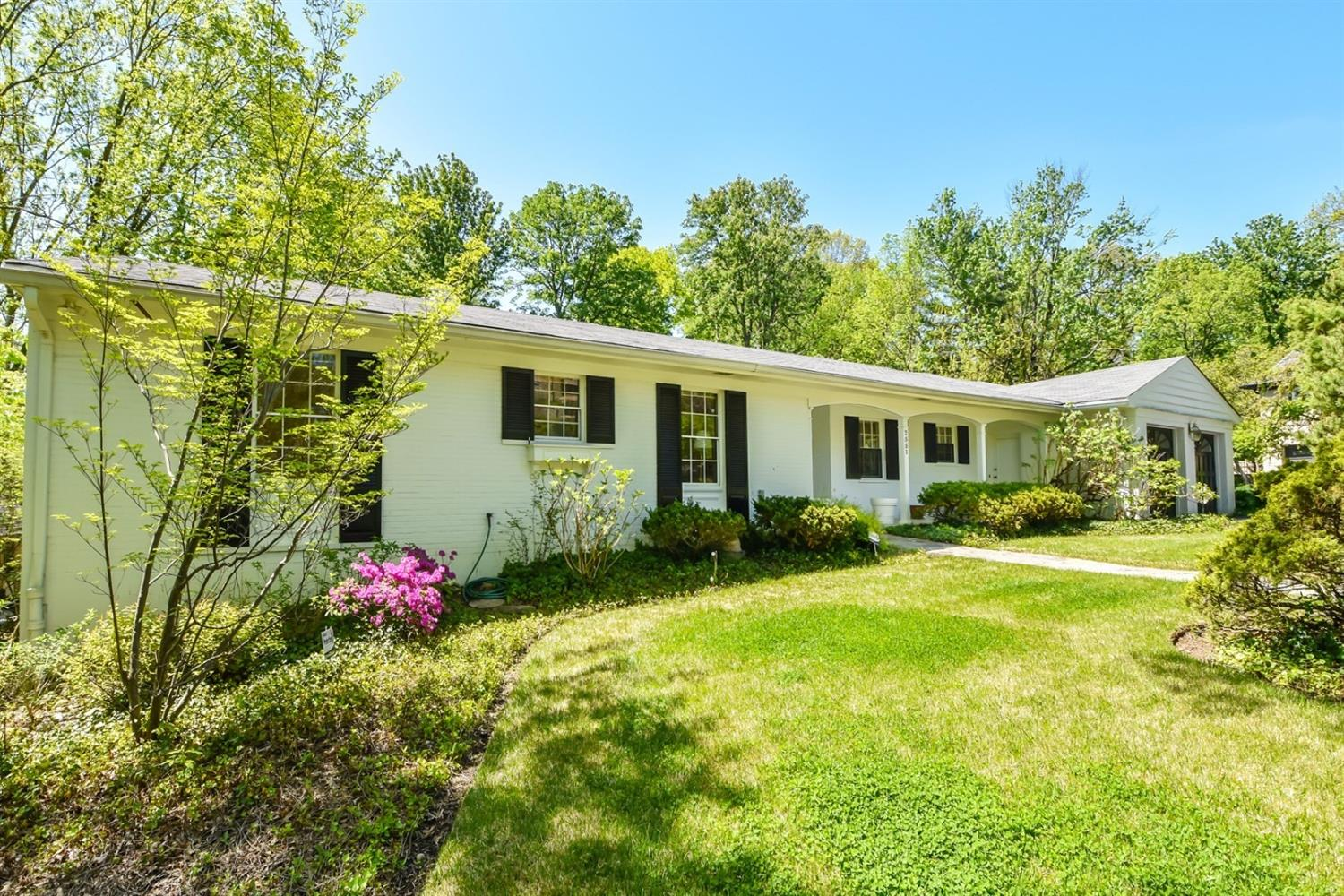 Property for sale at 2551 S Rookwood Drive, Cincinnati,  OH 45208