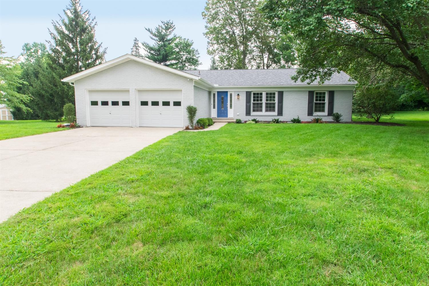 Property for sale at 9160 Village Green Drive, Montgomery,  OH 45242