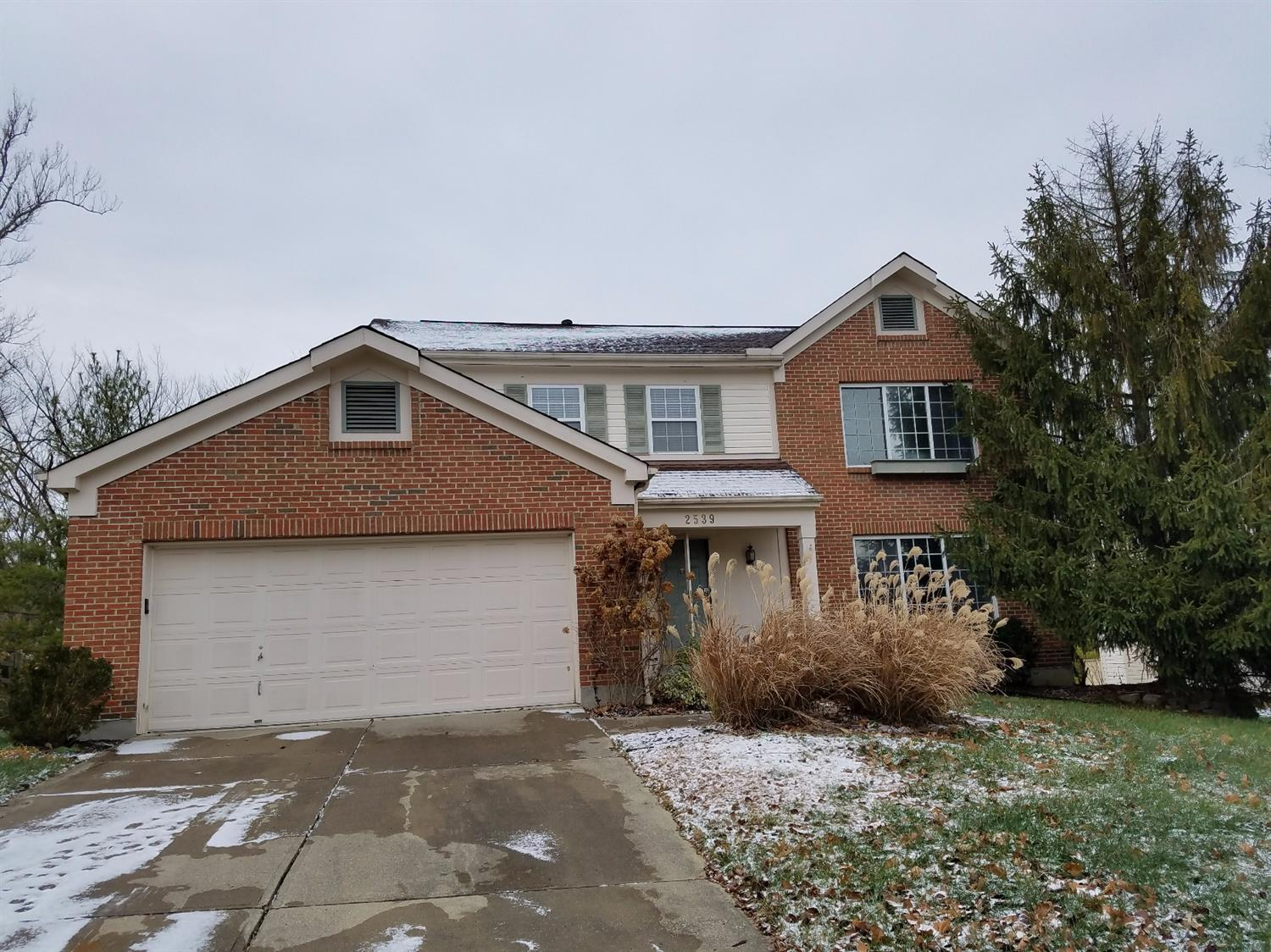 Large Two Story in the Desirable Reserves of Turpin in Mt. Washington. Open floor plan and great flow between family room / Kitchen.  In quiet cul-de-sac. Move in Ready.