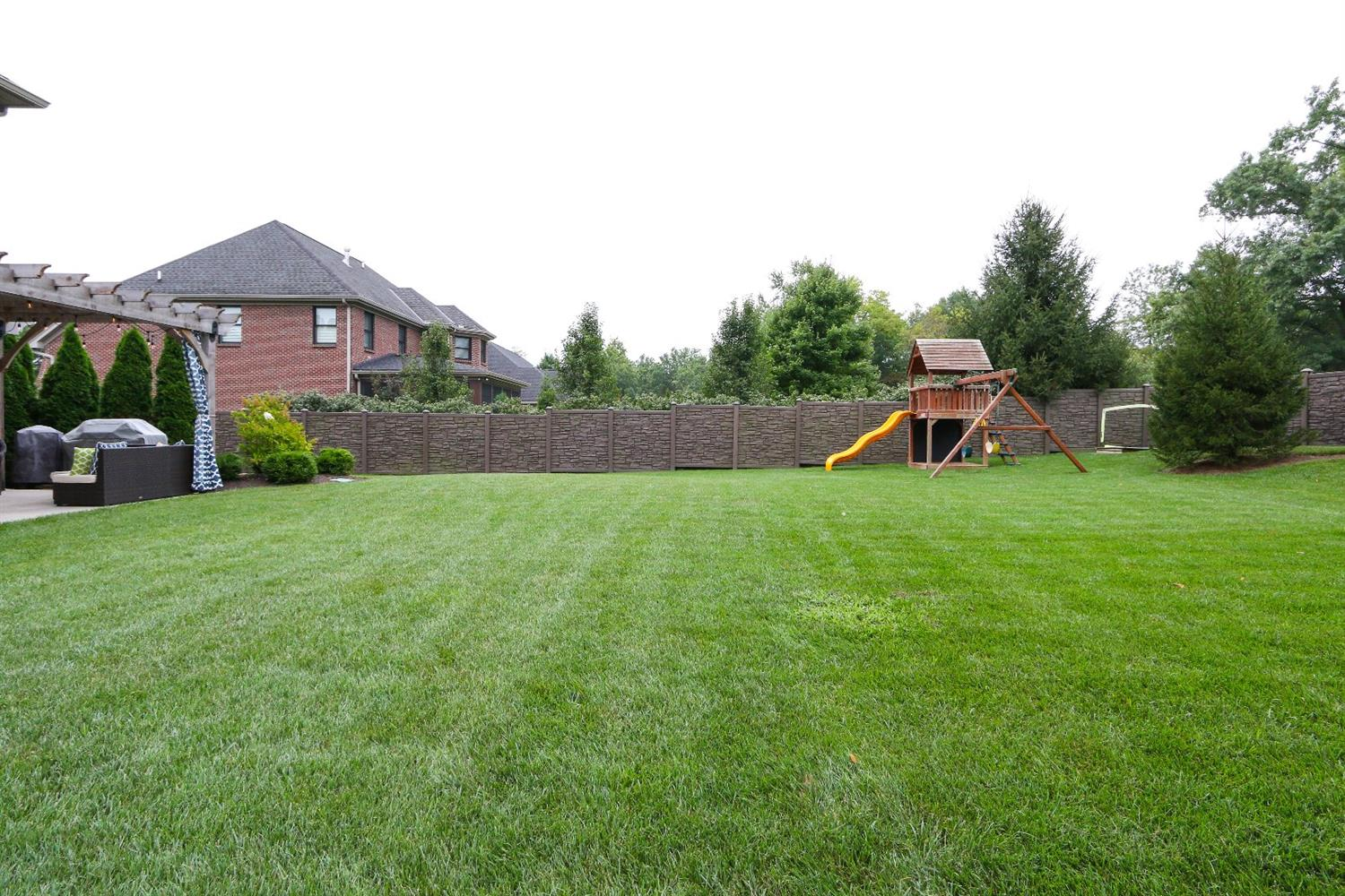 Property for sale at 10369 Deerfield Road, Montgomery,  OH 45242