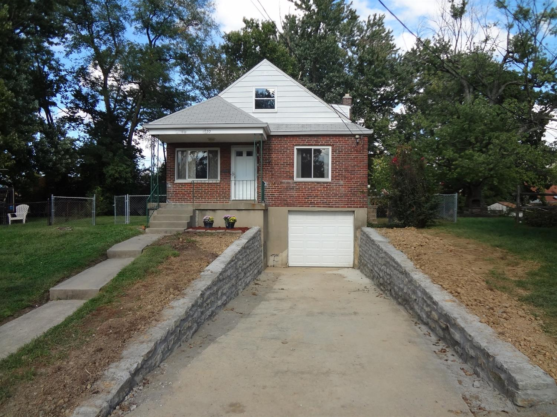 Property for sale at 1030 Woodbriar Lane, Cincinnati,  OH 45238
