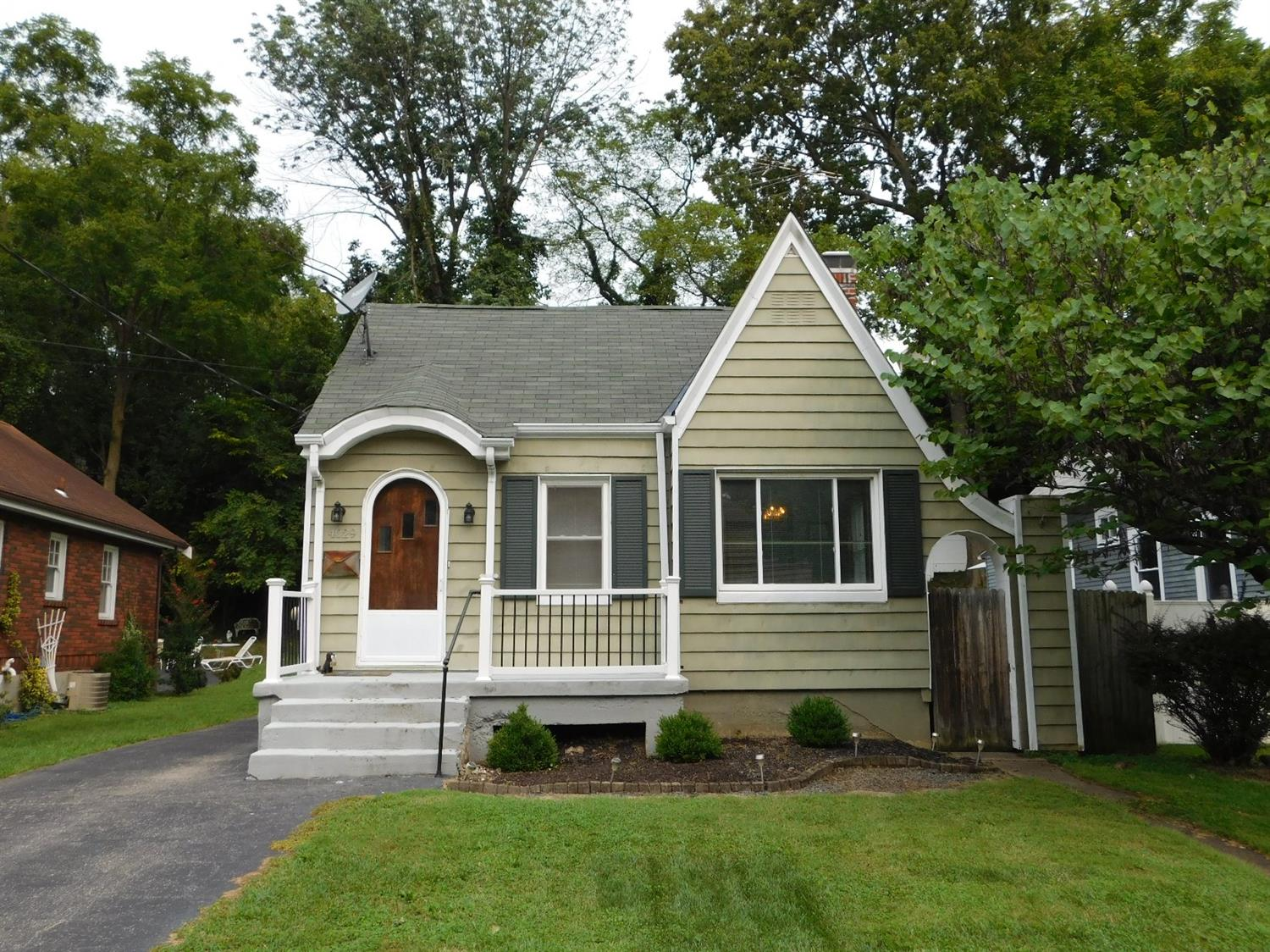 Property for sale at 4029 Paxton Avenue, Cincinnati,  OH 45209