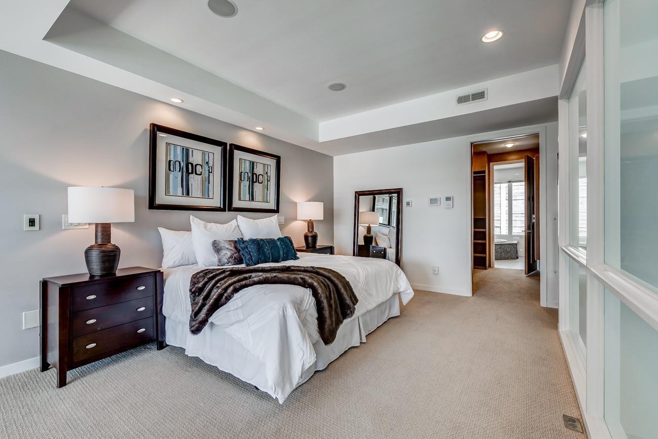 Property for sale at 422 Oregon Street, Cincinnati,  OH 45202