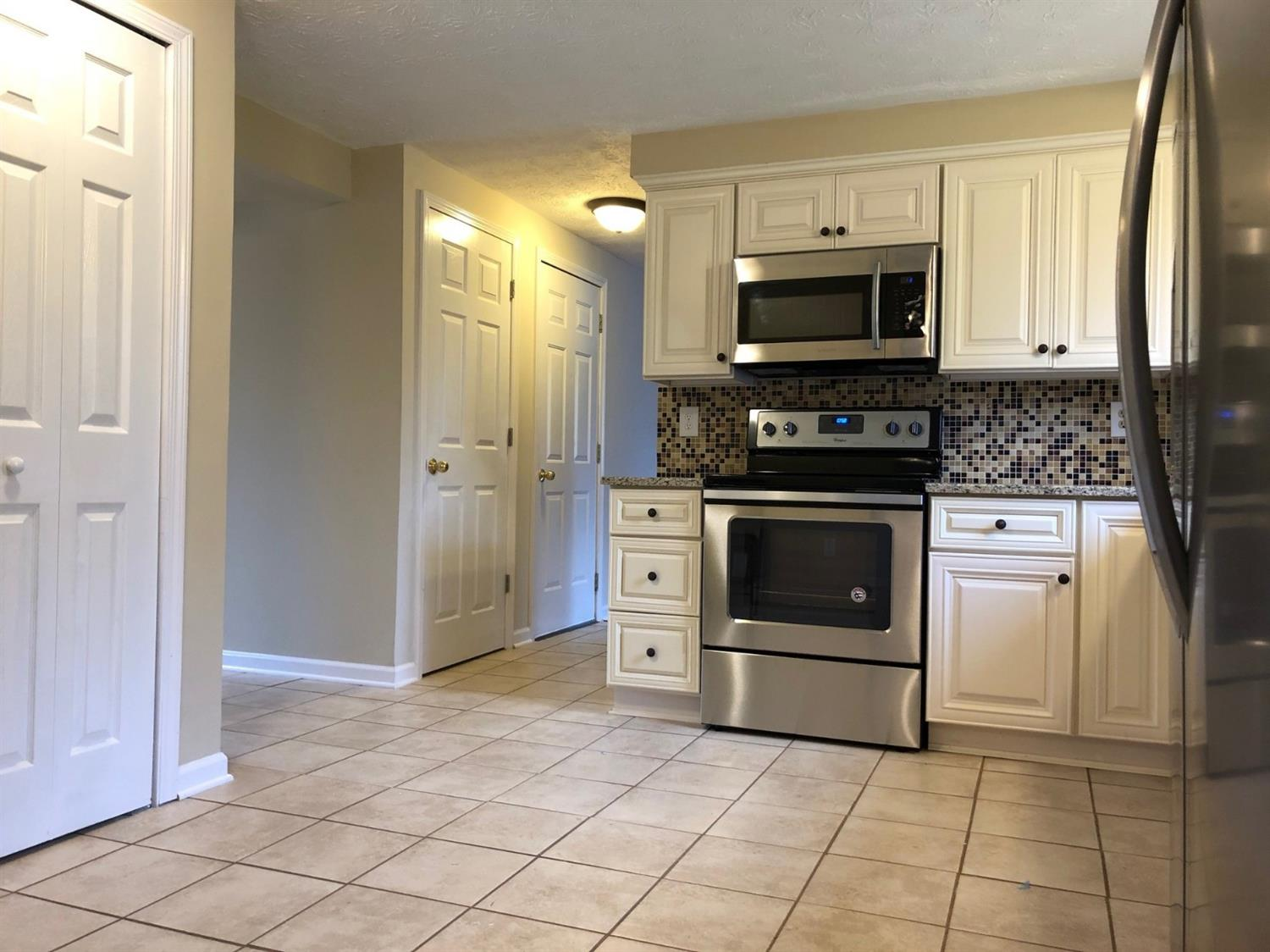 Property for sale at 692 Harcourt Drive, Springdale,  OH 45246