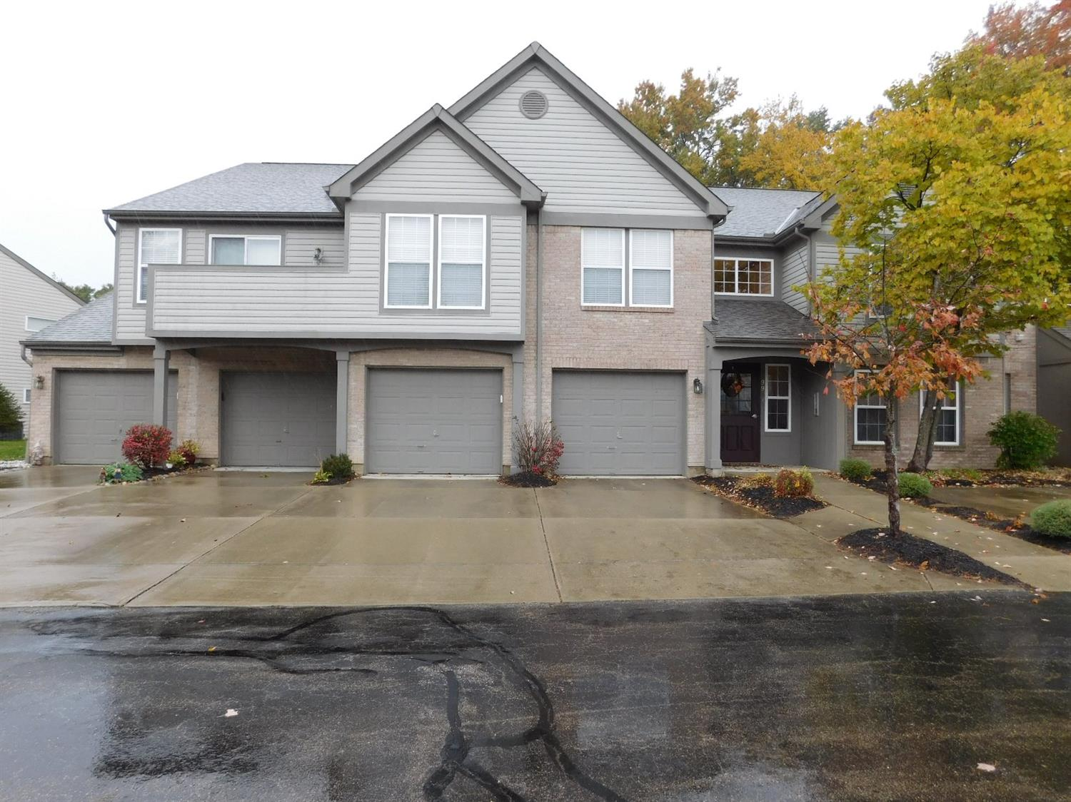 Property for sale at 9941 Edgewood Lane Unit: 12 D, Sharonville,  OH 45241