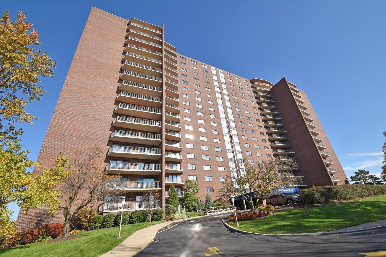 Property for sale at 5300 Hamilton Avenue Unit: 608, Cincinnati,  OH 45224