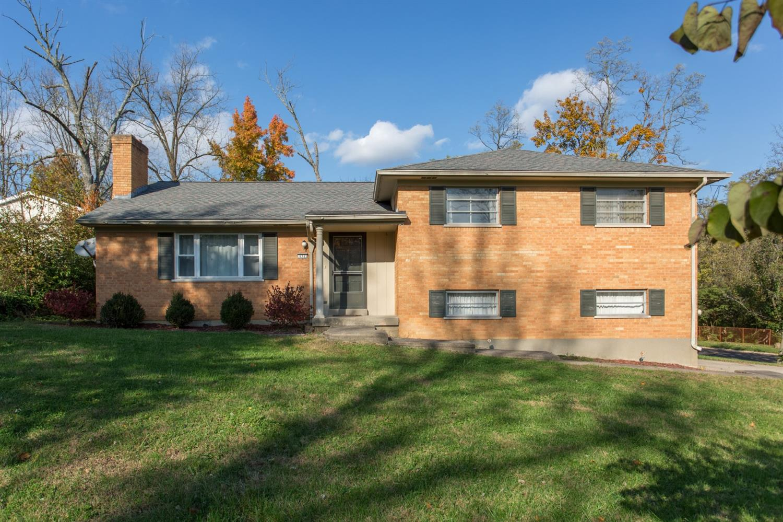 Property for sale at 652 Allen Avenue, Springdale,  OH 45246