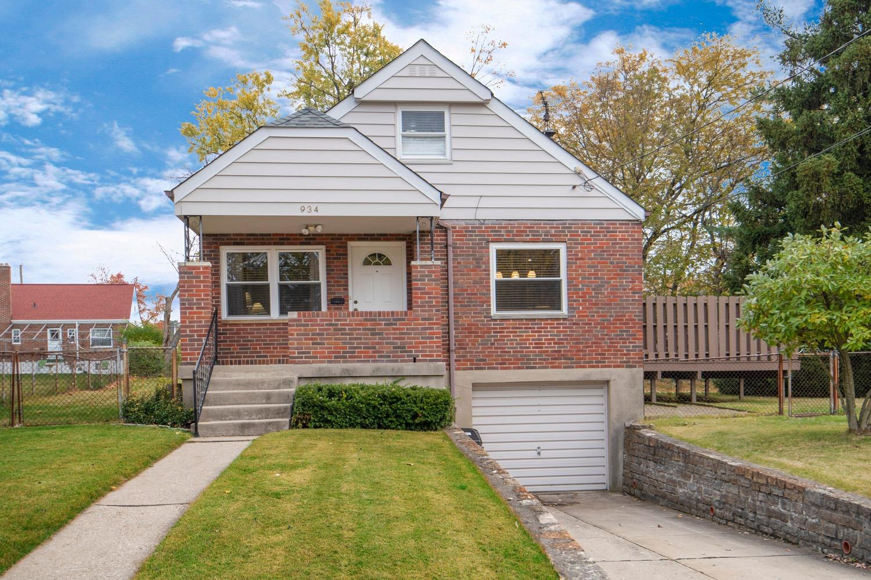 Property for sale at 934 Woodbriar Lane, Cincinnati,  OH 45238