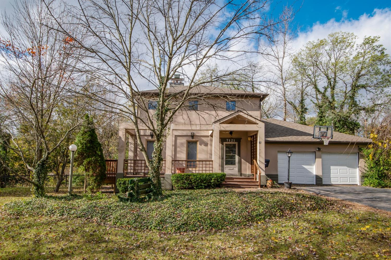 Property for sale at 7121 Tiki Avenue, Sycamore Twp,  OH 45243