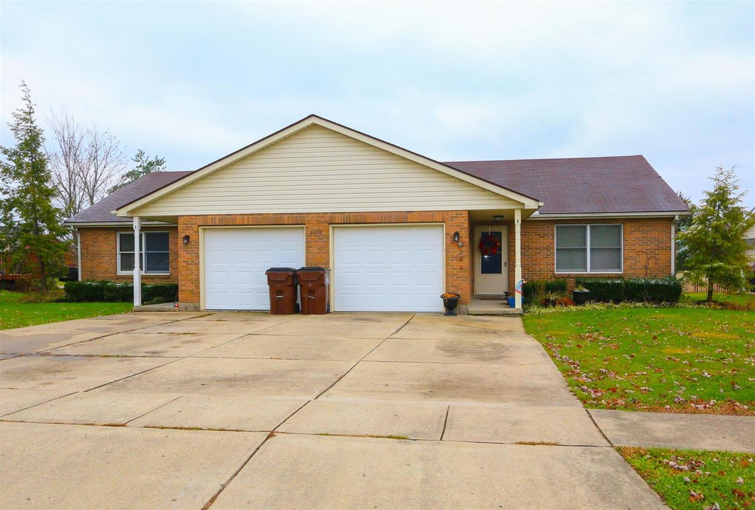 Property for sale at 1098 Hunters Run Drive, Lebanon,  OH 45036