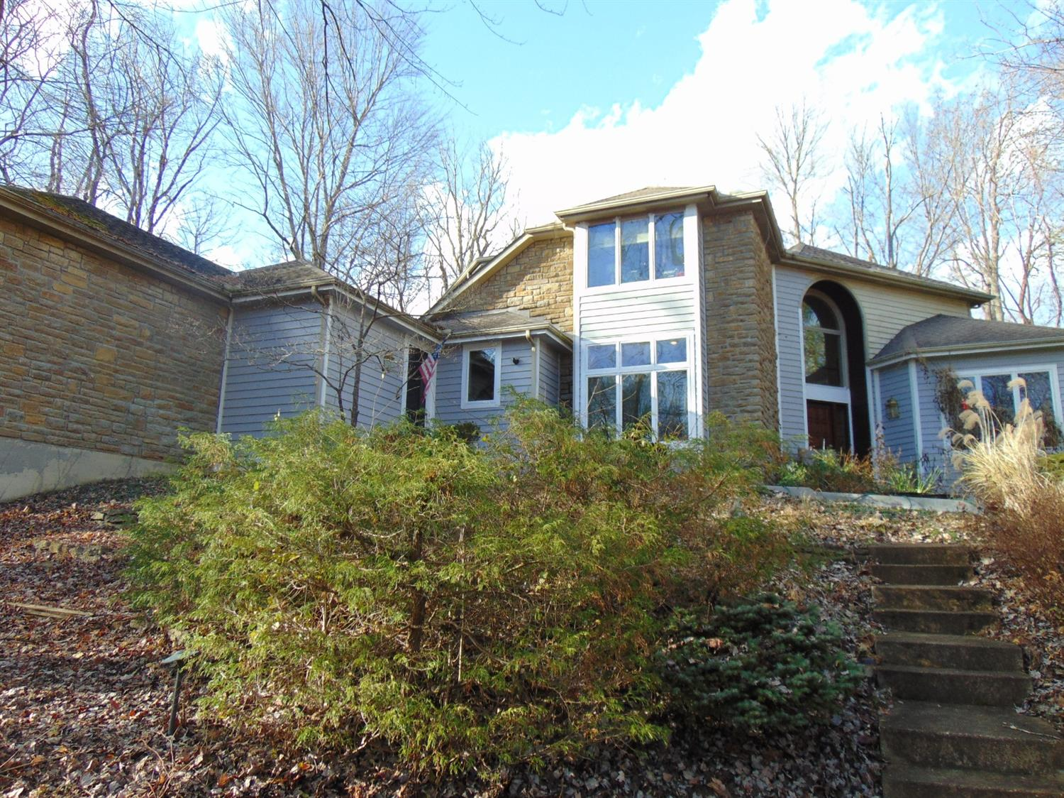 Property for sale at 304 Bishopsbridge Drive, Anderson Twp,  OH 45255