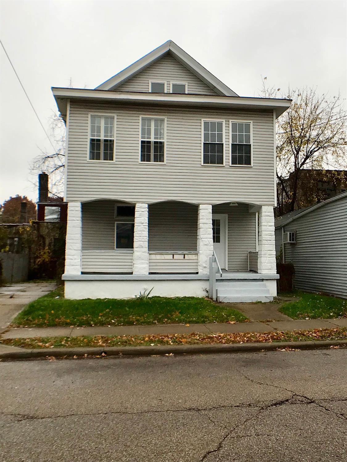 Property for sale at 2417 Robertson Avenue, Norwood,  OH 45212