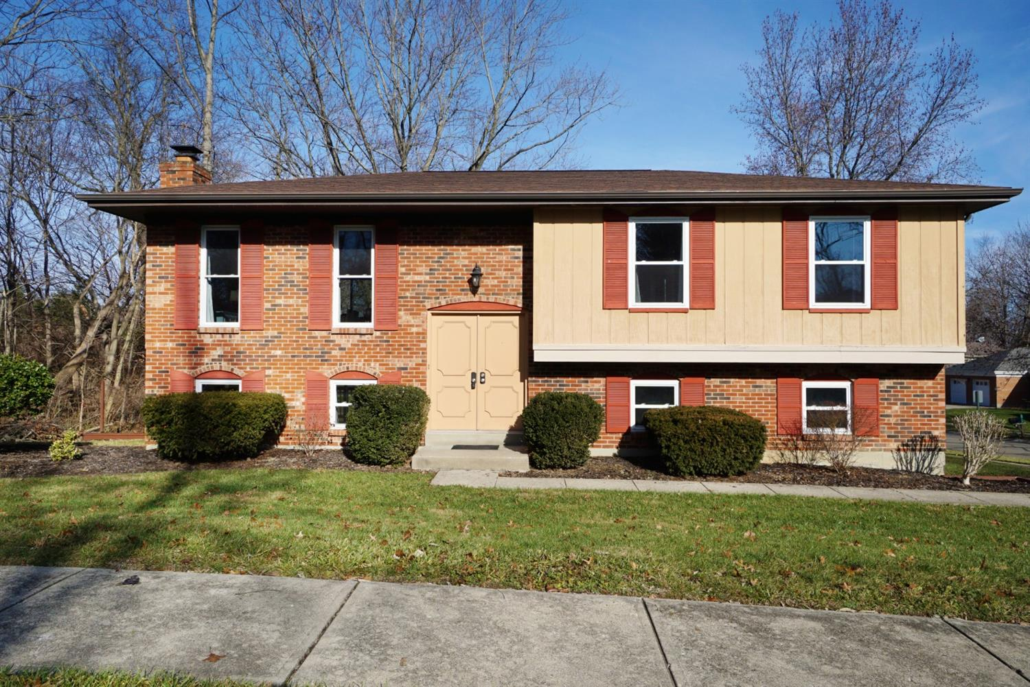 Property for sale at 8975 Pembrooke Street, Deerfield Twp.,  OH 45039