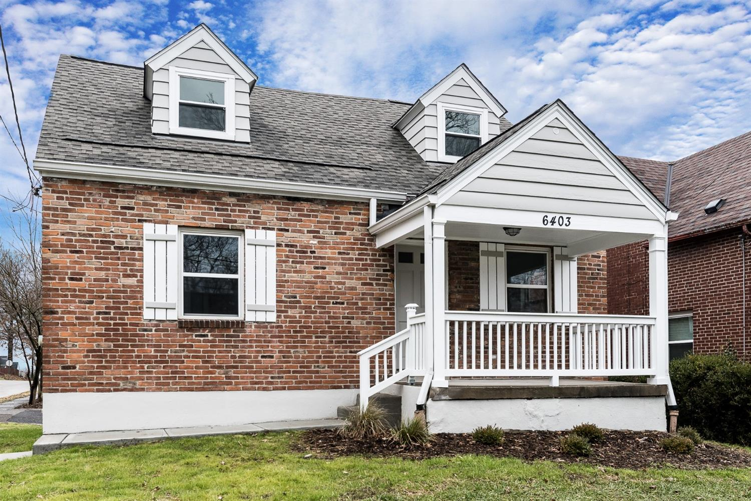 Property for sale at 6403 Mayflower Avenue, Golf Manor,  OH 45237