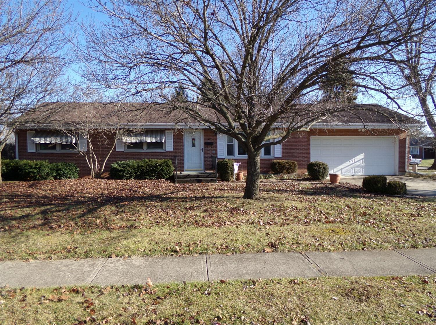 Property for sale at 422 Cranewood Drive, Trenton,  OH 45067