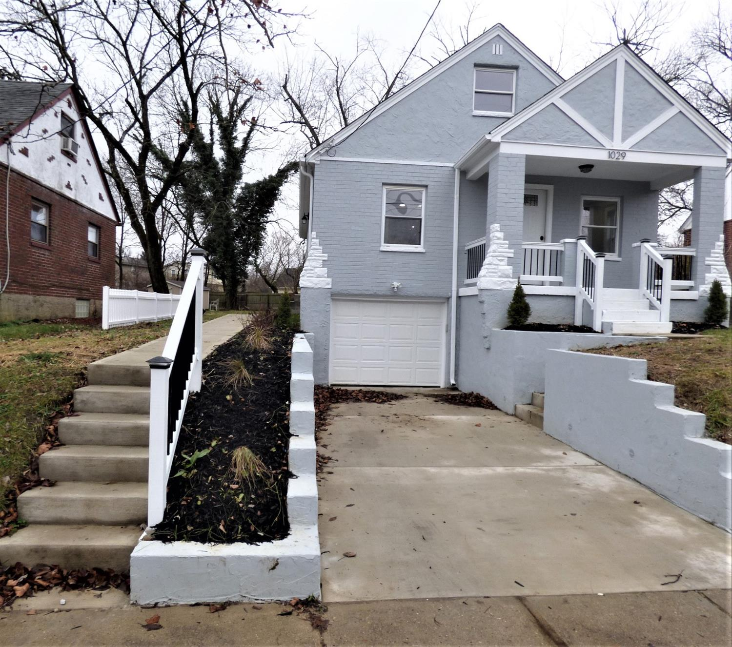Property for sale at 1029 Oak Avenue, Wyoming,  OH 45215