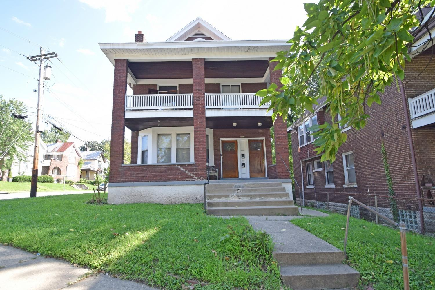 Property for sale at 3212 Gilbert Avenue, Cincinnati,  OH 45207