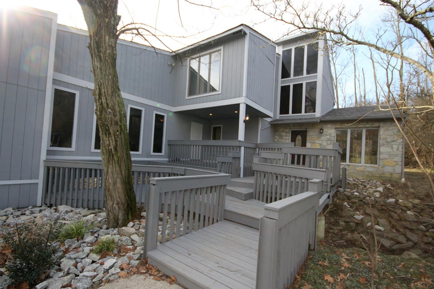 Property for sale at 2805 Queenswood Drive, Cincinnati,  OH 45211