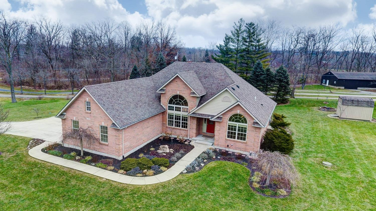 Property for sale at 7228 Quarterhorse Drive, Clearcreek Twp.,  OH 45066