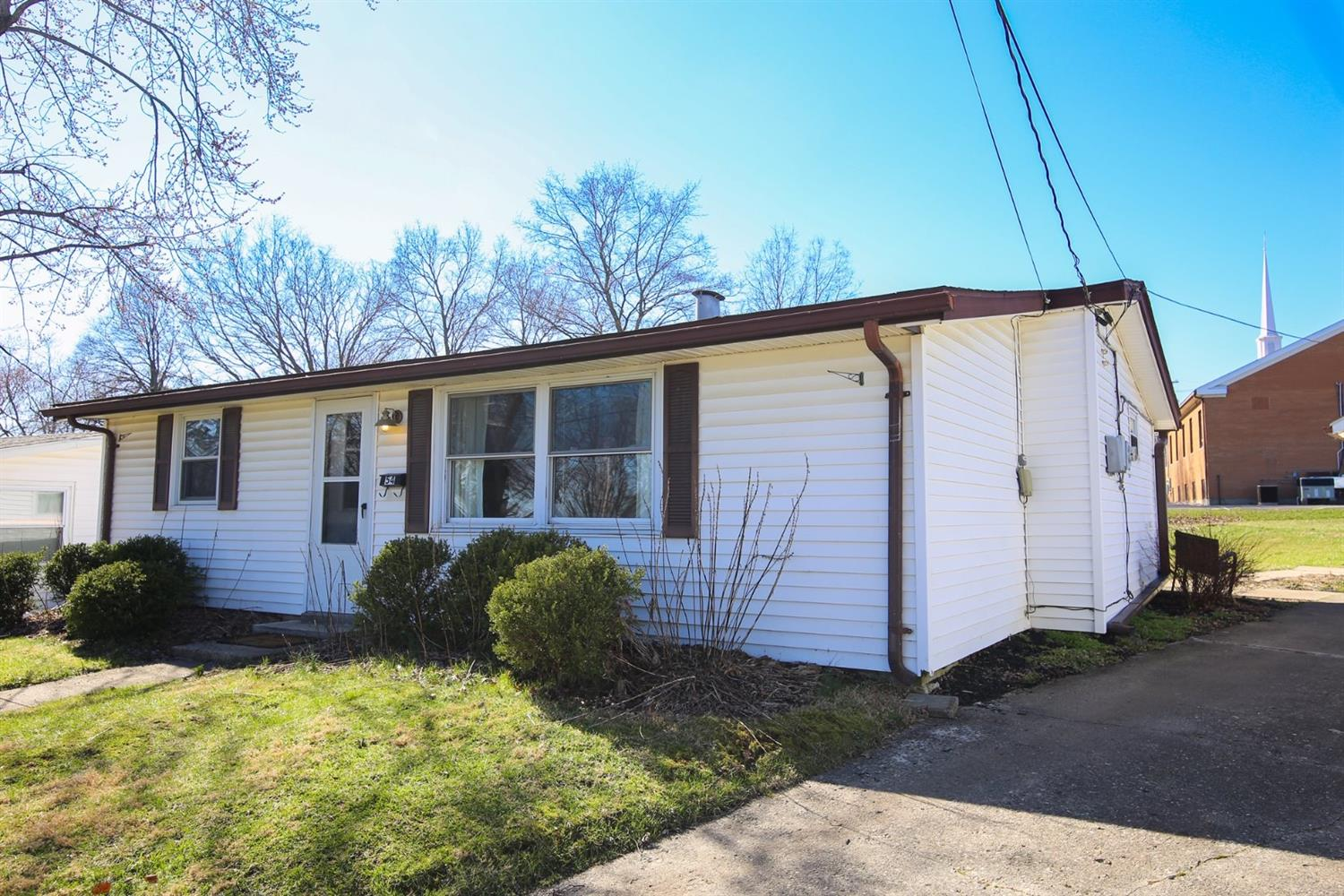 Property for sale at 54 Suncrest Drive, Lebanon,  OH 45036