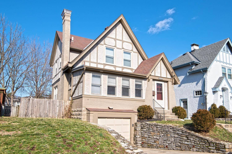 Property for sale at 3320 Royal Place, Cincinnati,  Ohio 45208