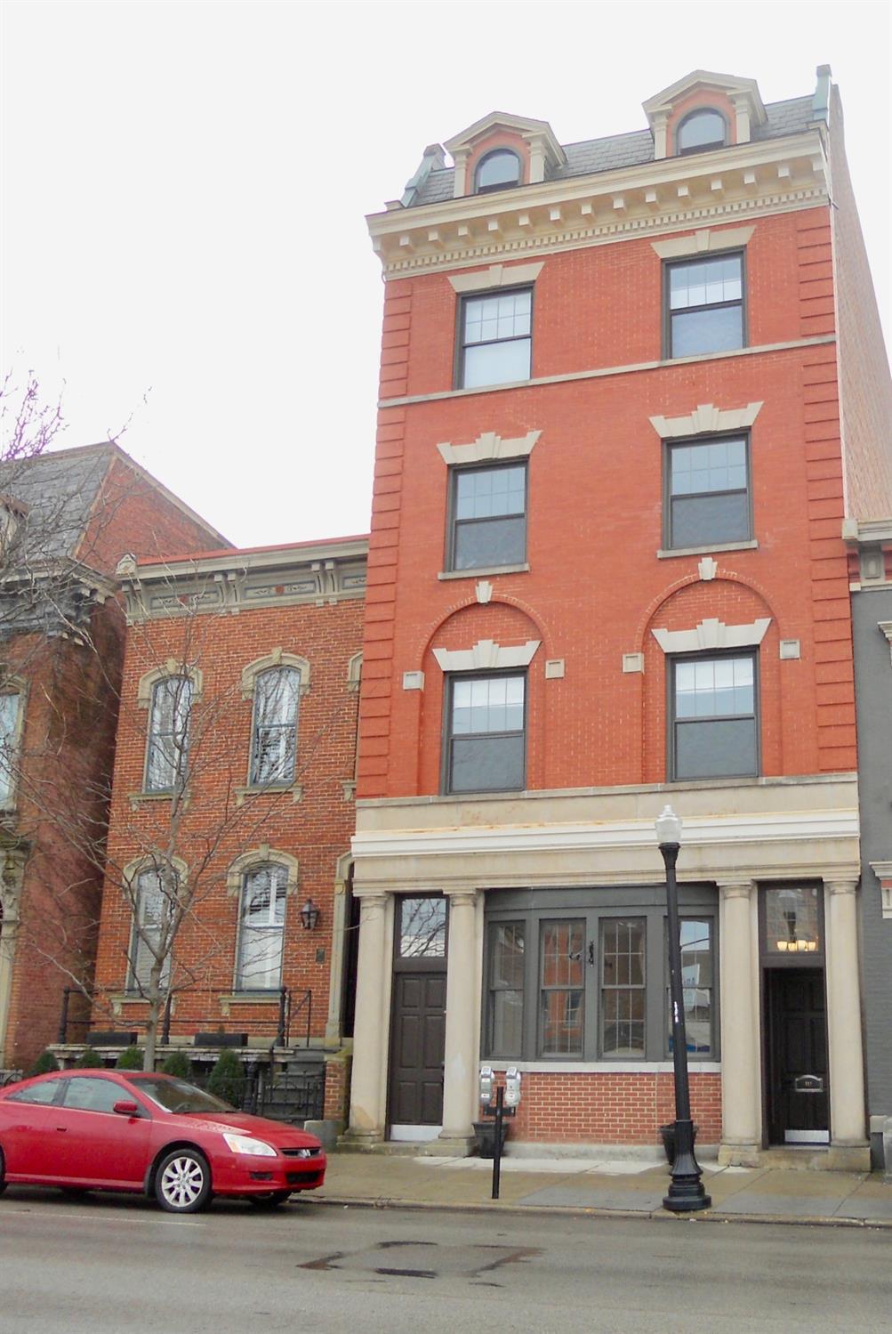 Property for sale at 221 W Ninth Street, Cincinnati,  Ohio 45202
