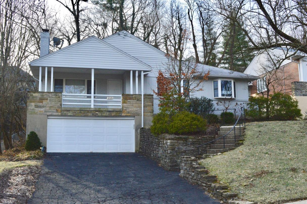 Property for sale at 1028 Urbancrest Place, Cincinnati,  Ohio 45226