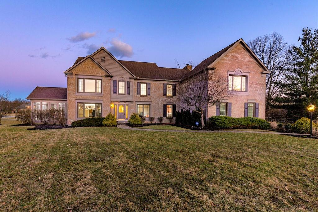 Property for sale at 9000 Ambercreek Drive, Amberley,  Ohio 45236