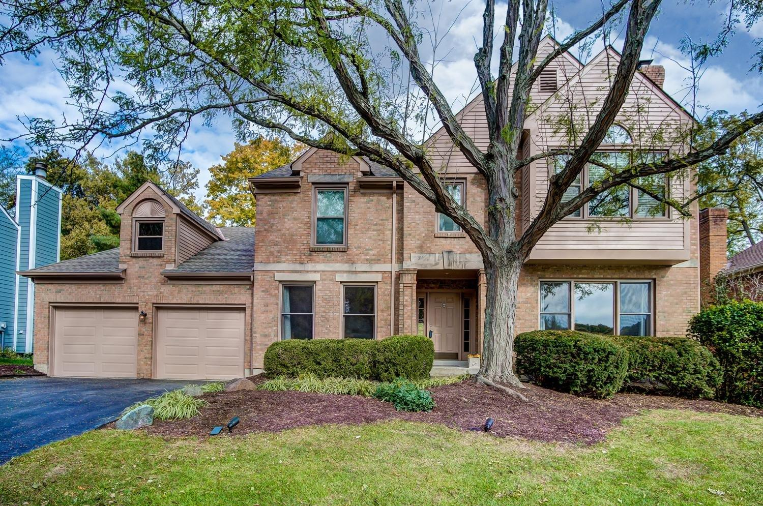 Property for sale at 3824 Chimney Hill Drive, Blue Ash,  Ohio 45241