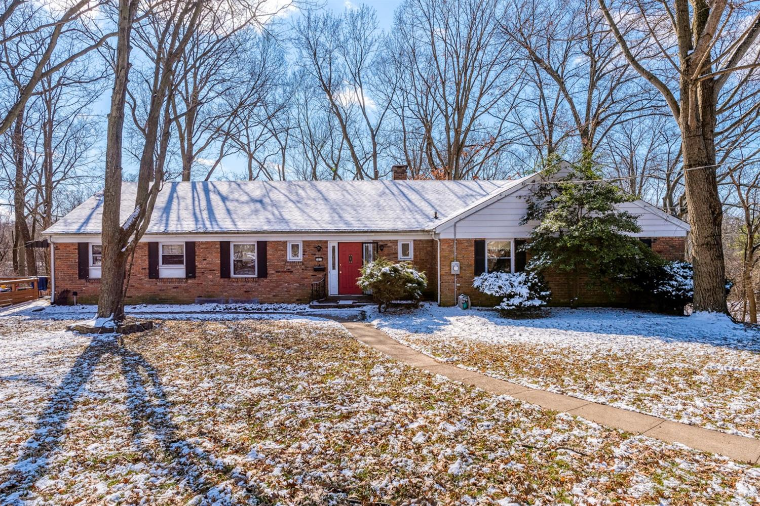 Property for sale at 5813 Woodsway Drive, Madeira,  Ohio 45236