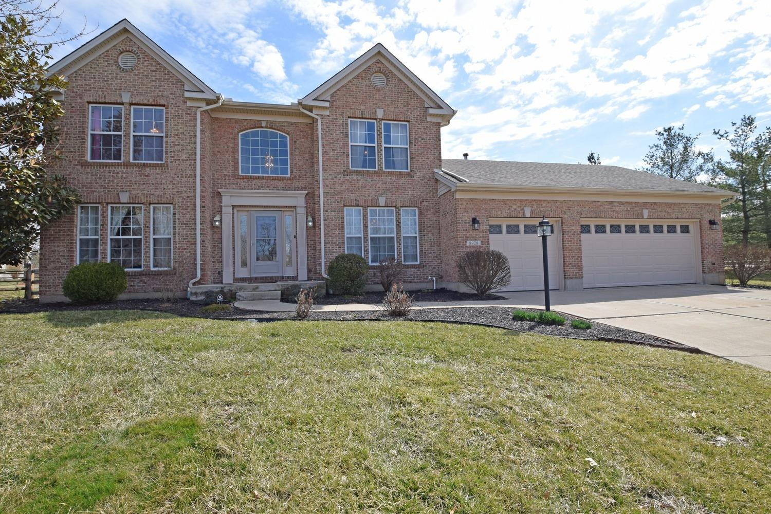 Property for sale at 8928 Galecrest Drive, Hamilton Twp,  Ohio 45039