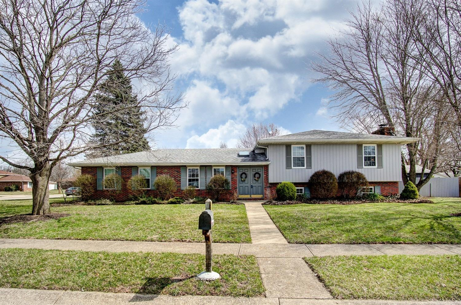 Property for sale at 5268 Dellbrook Drive, Fairfield,  Ohio 45014