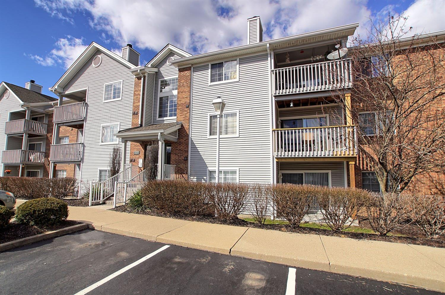 Property for sale at 420 Carrington Lane Unit: 103, Loveland,  Ohio 45140