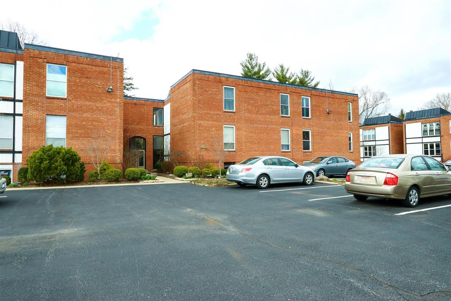 Property for sale at 3817 Petoskey Avenue Unit: 16, Mariemont,  Ohio 45227