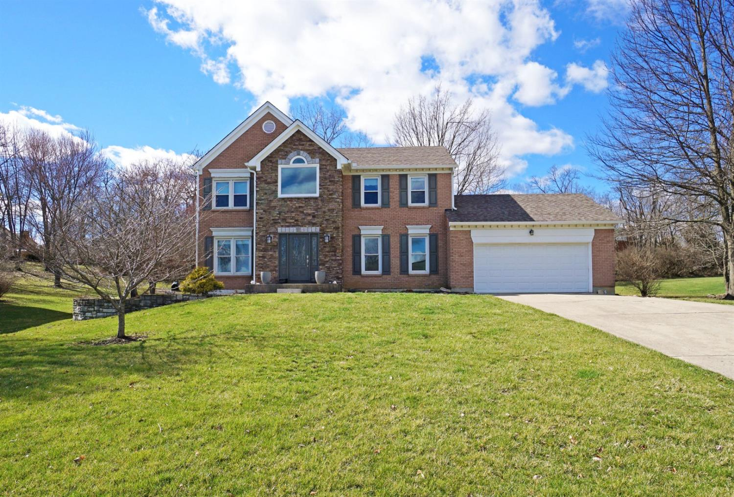 Property for sale at 9923 Bolingbroke Drive, West Chester,  Ohio 45241