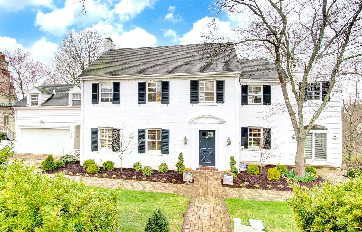 Property for sale at 3733 Vineyard Place, Cincinnati,  Ohio 45226