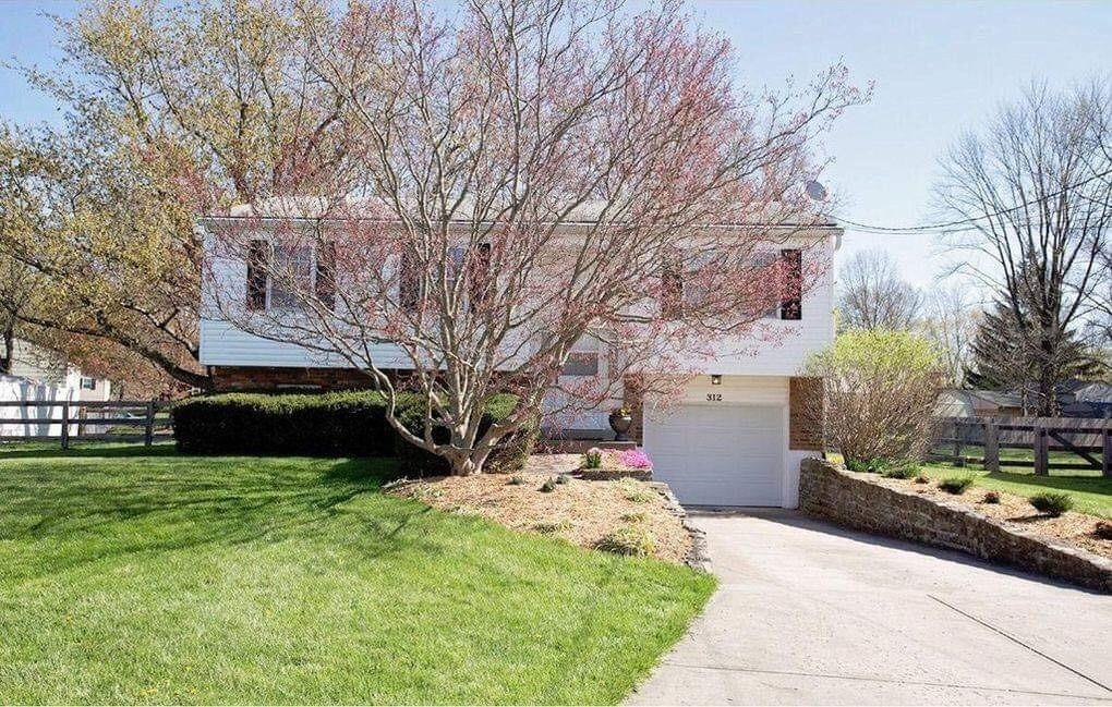 Property for sale at 312 Albright Drive, Loveland,  Ohio 45140
