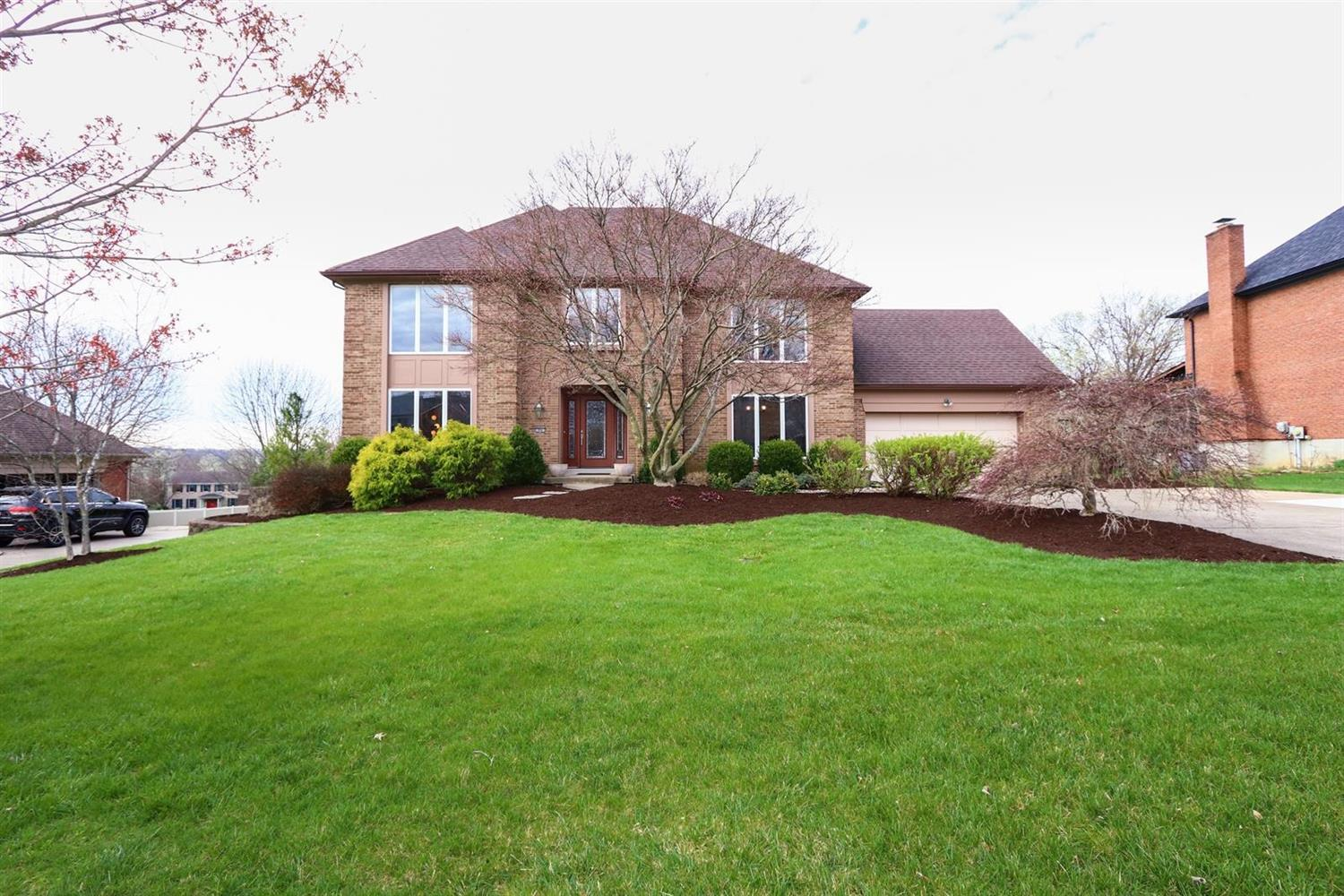 Property for sale at 10041 Bolingbroke Drive, West Chester,  Ohio 45241