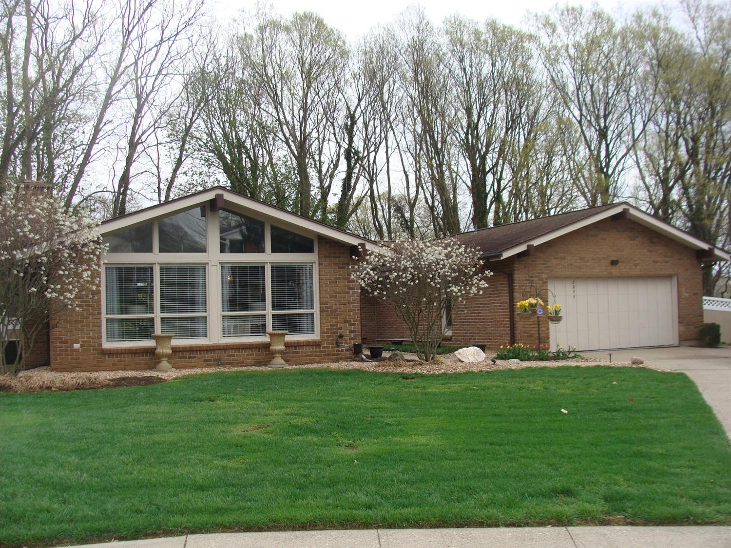 Property for sale at 2099 Harrowgate Hill Lane, Fairfield,  Ohio 45014