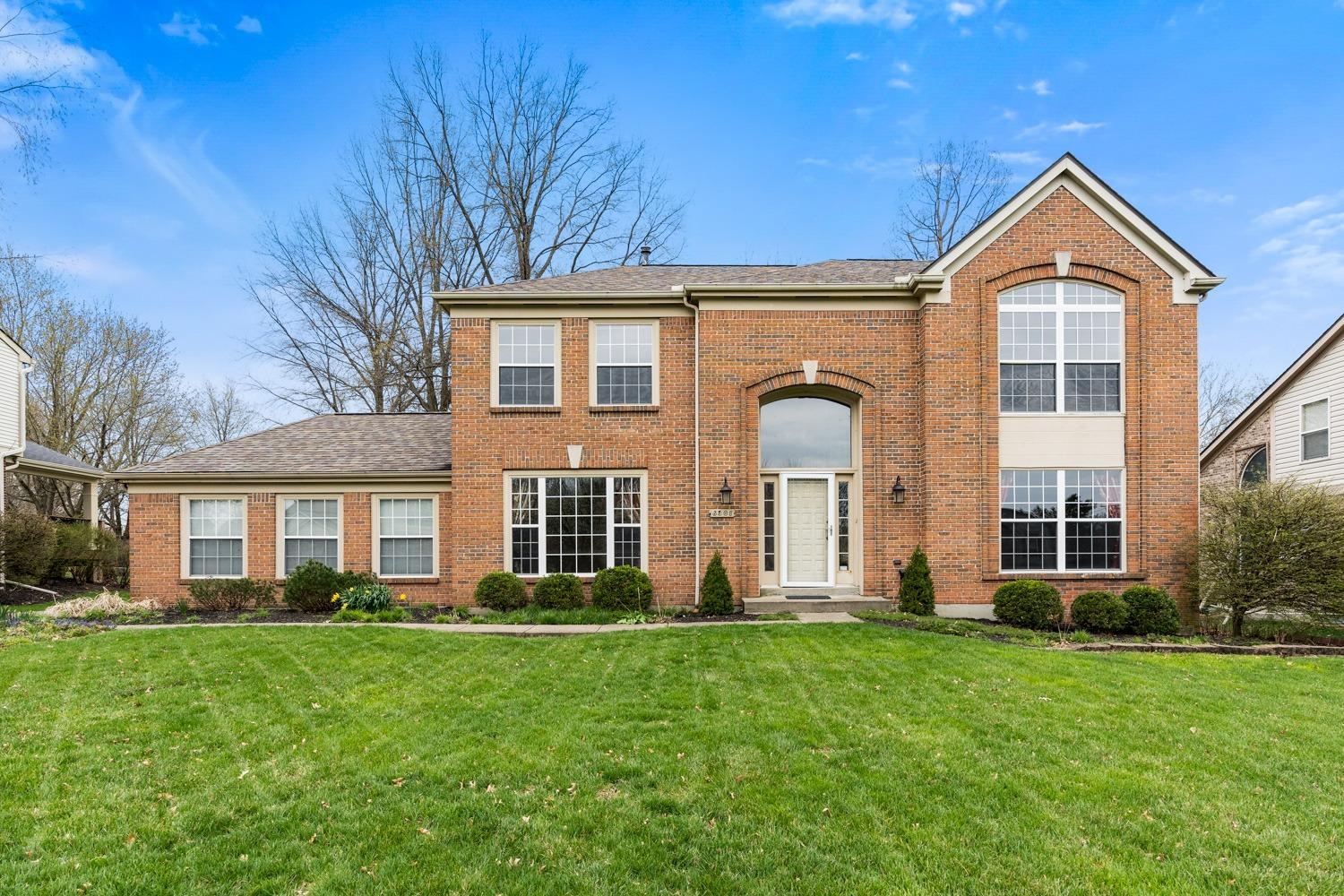 Property for sale at 6301 Paxton Woods Drive, Miami Twp,  Ohio 45140