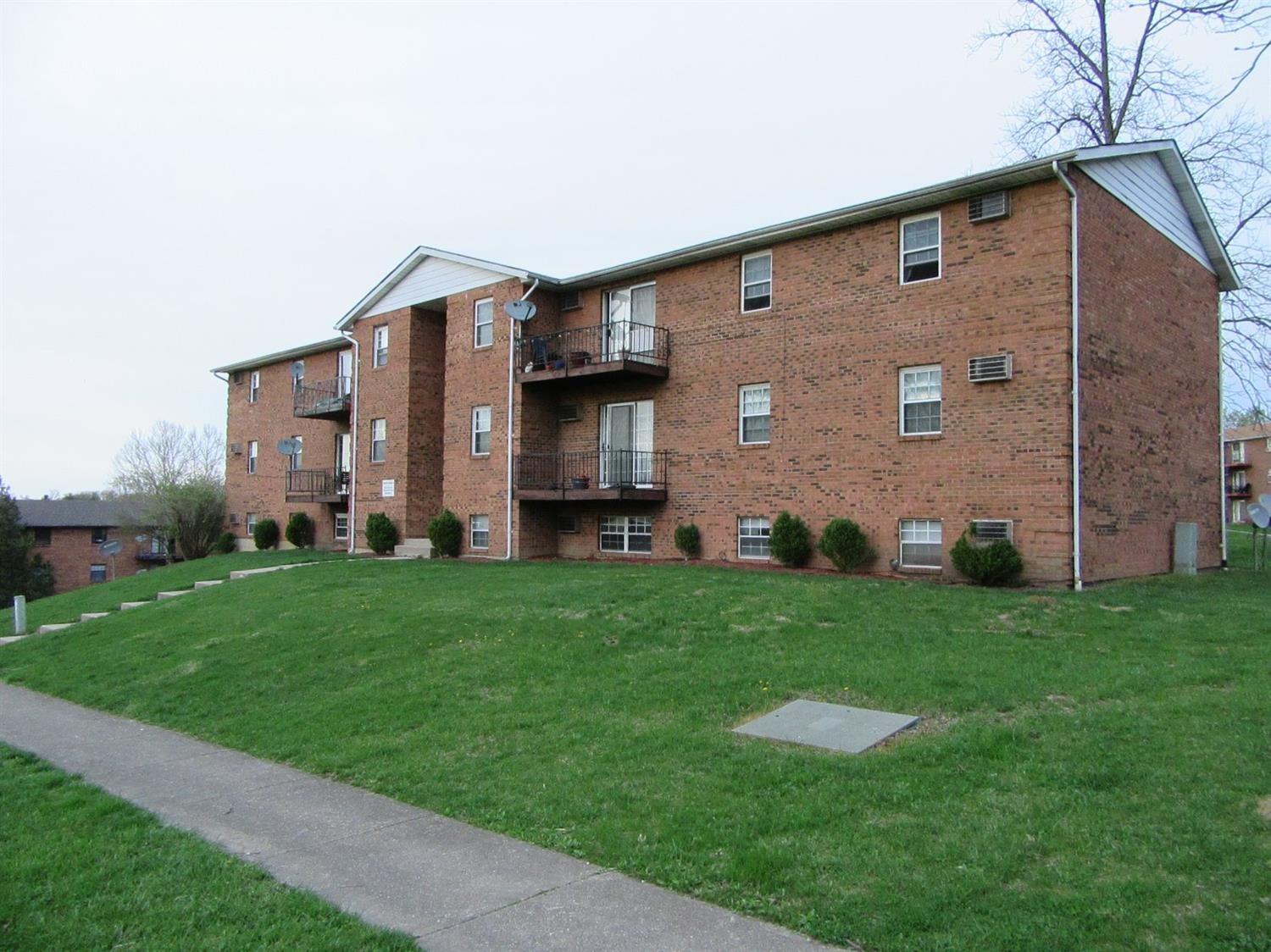Property for sale at 5456 Camelot Drive Unit: 12, Fairfield,  Ohio 45014