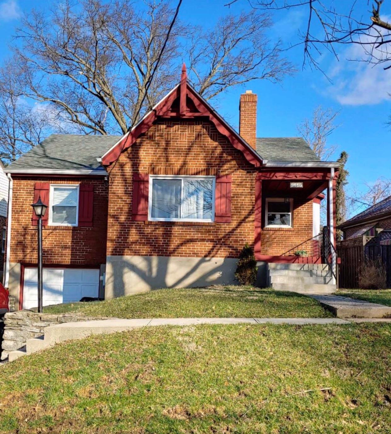 Property for sale at 6727 Hampton Drive, Silverton,  Ohio 45236
