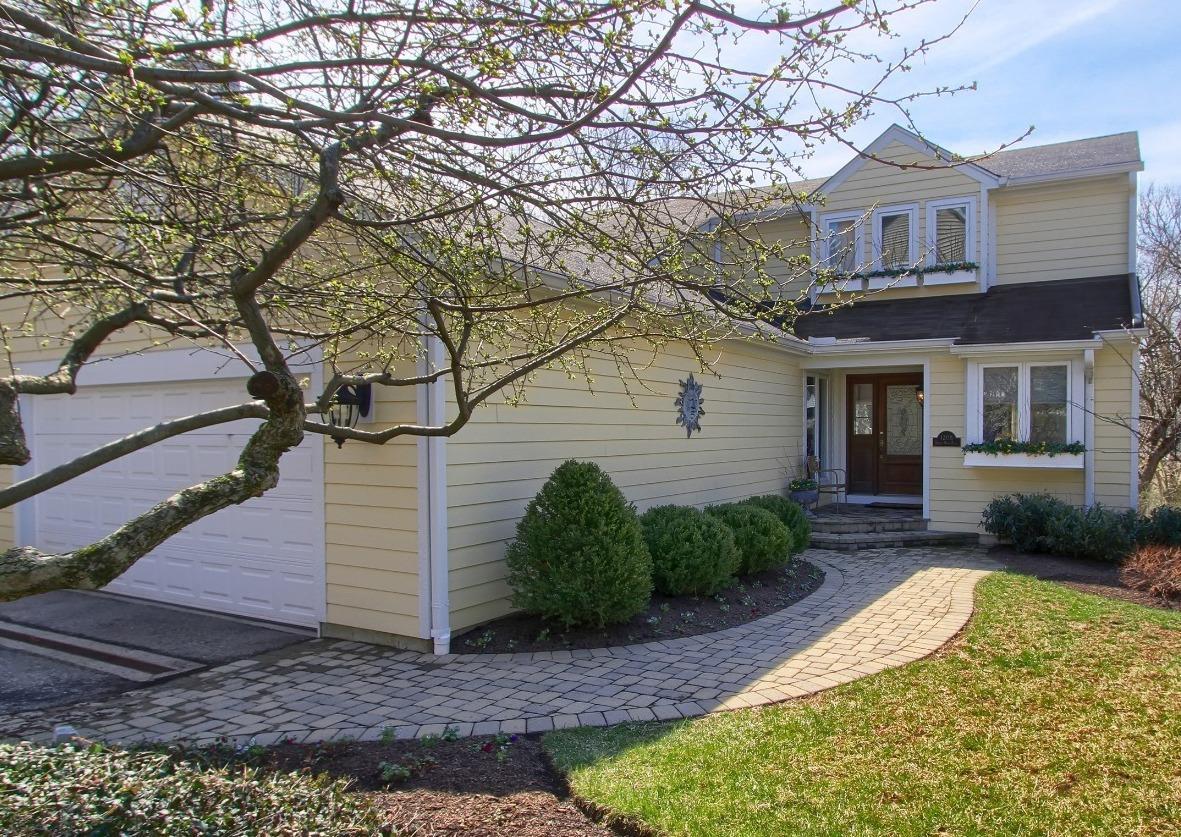 Property for sale at 1208 Hidden Wood Place, Cincinnati,  Ohio 45208