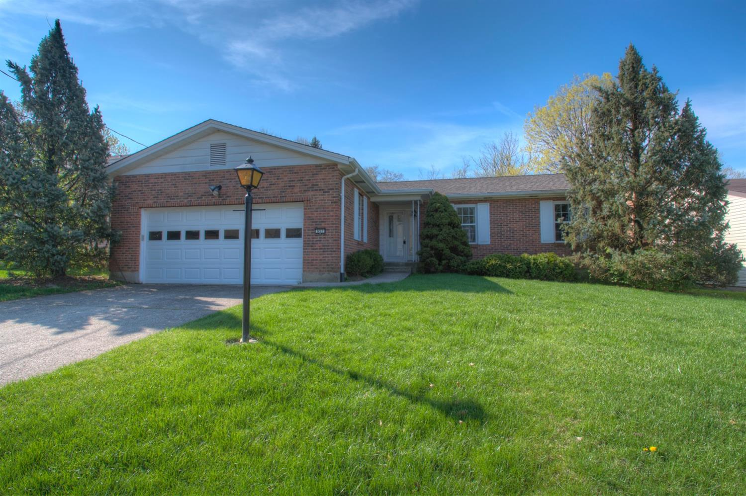 Property for sale at 957 Butterfly Court, Springfield Twp.,  Ohio 45231