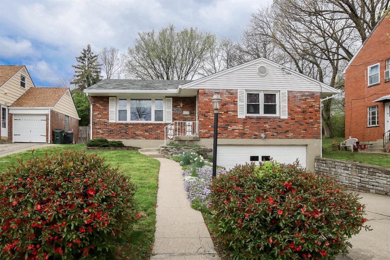 Property for sale at 6633 Sampson Lane, Silverton,  Ohio 45236