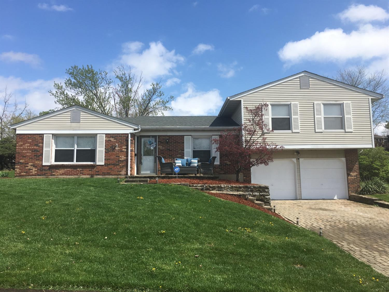 Property for sale at 946 Belsage Court, Springfield Twp.,  Ohio 45231