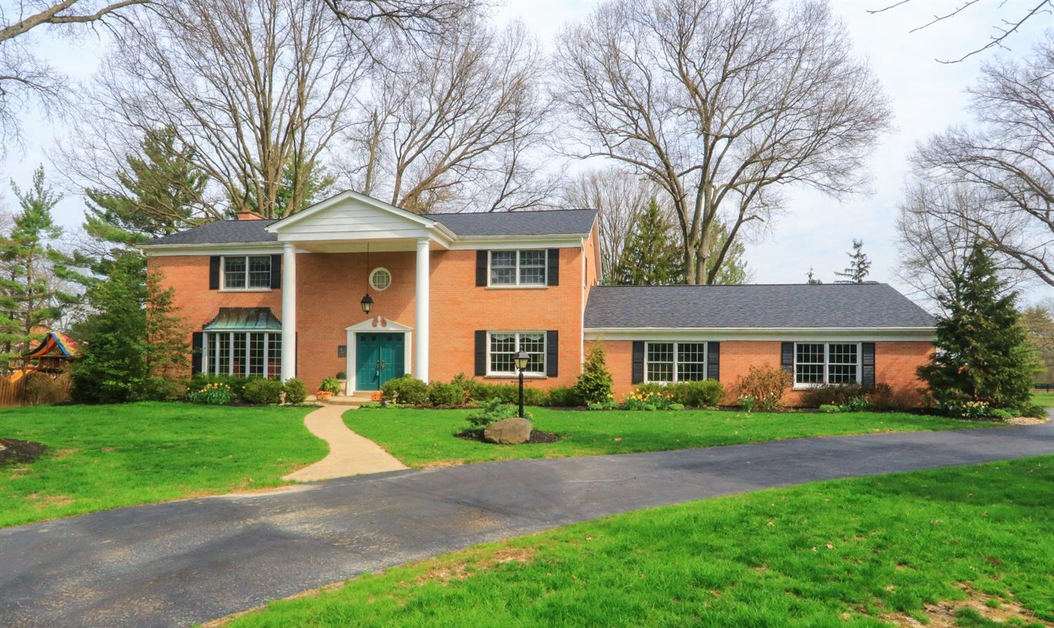 Photo of home for sale at 8360 Old Stable Road, Indian Hill OH