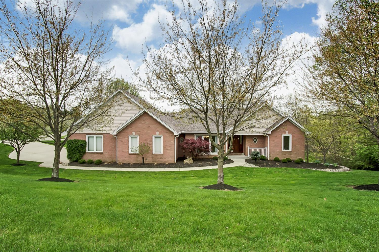 Property for sale at 5607 Boomer Road, Green Twp,  Ohio 45247