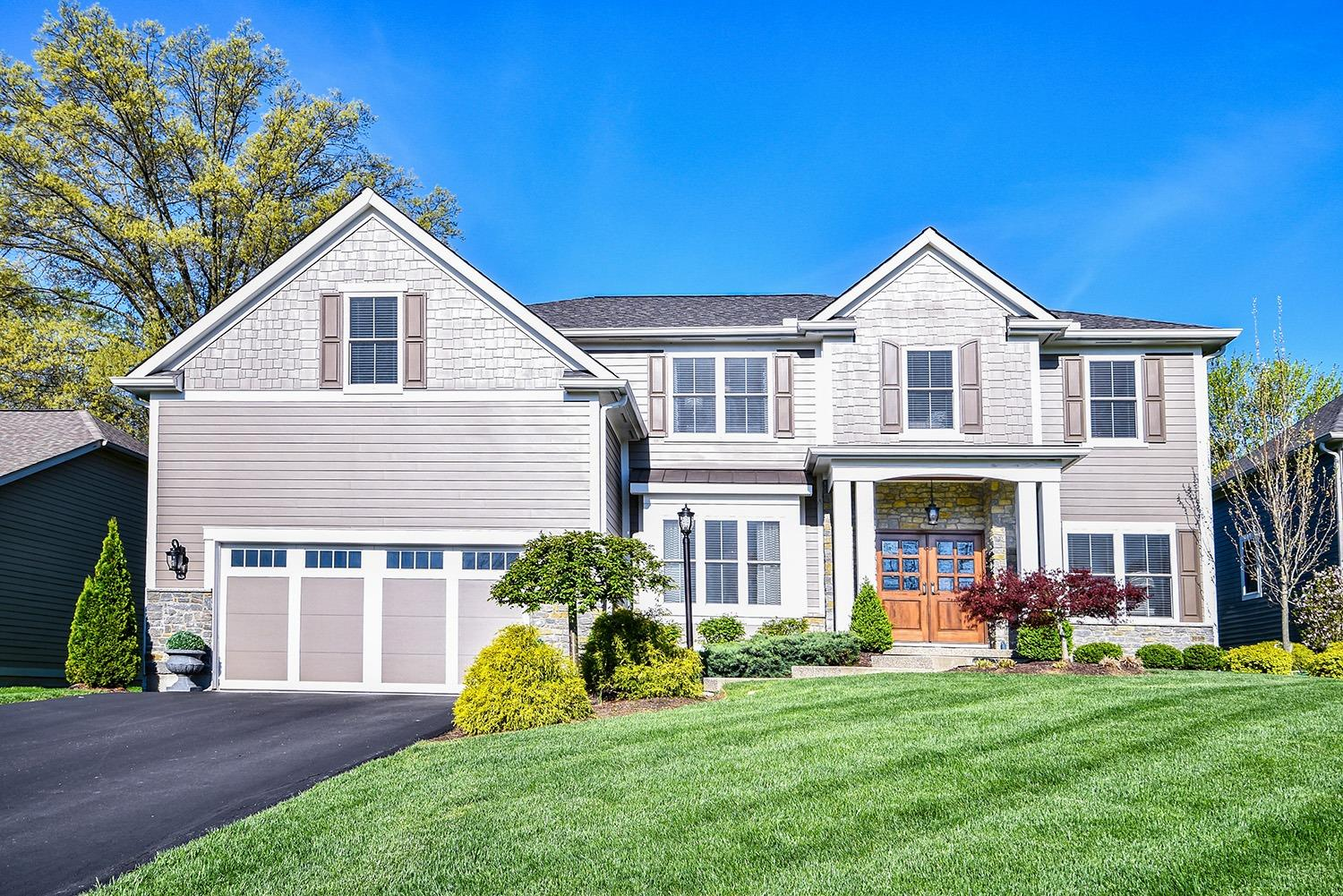 Photo of home for sale at 6767 Woodland Reserve Court, Madeira OH